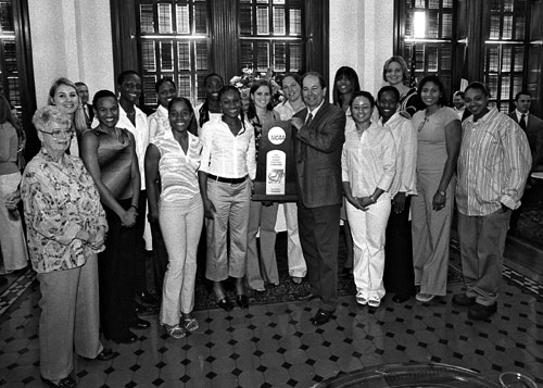 Senator Kip Averitt (center) stands with the national championship Baylor Bears Women's Basketball team.  The Lady Bears captured Baylor's first national championship ever when they topped Michigan St. in the final game of the 2005 Division I women's basketball tournament